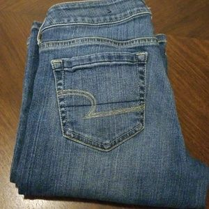 American Eagle SIZE 6 JEANS